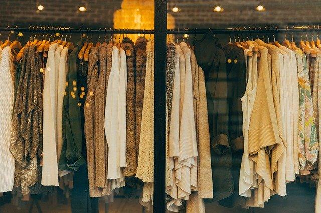 Sukienki w stylu hiszpańskim – Hit lata 2020